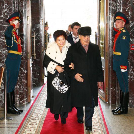 В 1958 году она окончила Казанский кооперативный техникум.