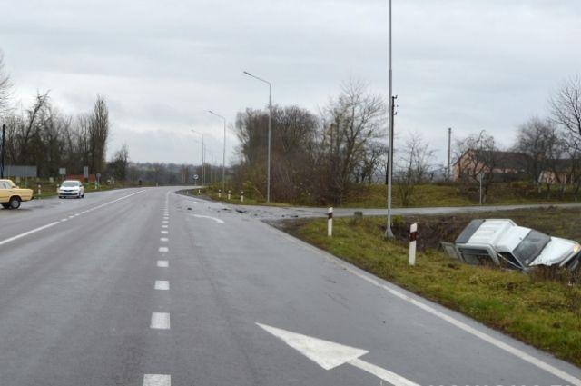 Жуткое ДТП под Луцком: в ходе столкновения авто пострадали три человека