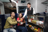 Вежливость и английский язык: Укрзализныця ввела профтребования к стюардам