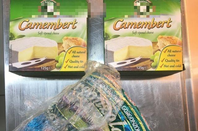 В Оренбурге на рынке обнаружили санкционной сыр.