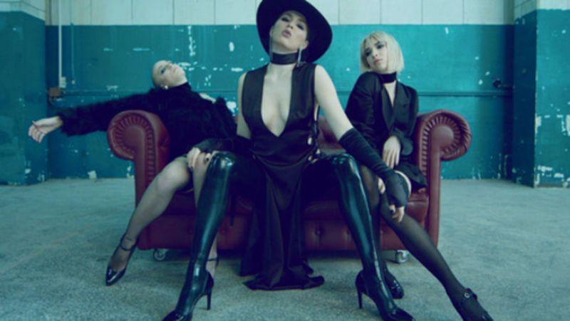 На специальную премию Dance Parade, совместную с Kiss FM также претендует MARUV & BOOSIN с композицией Drunk Groove.