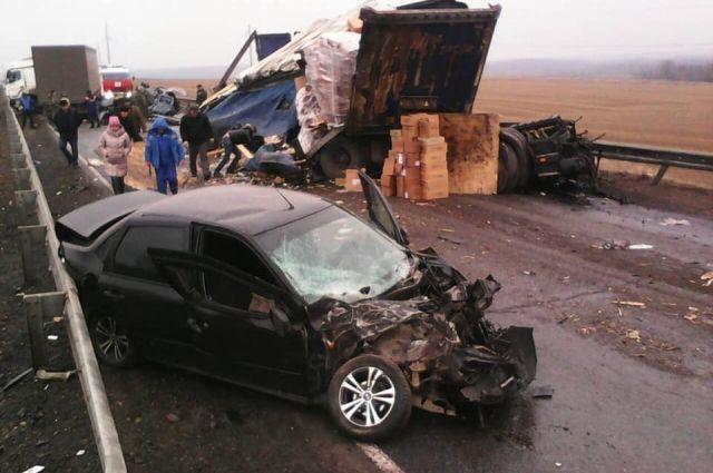 Скользская дорога могла стать причиной смертельного ДТП в Удмуртии.