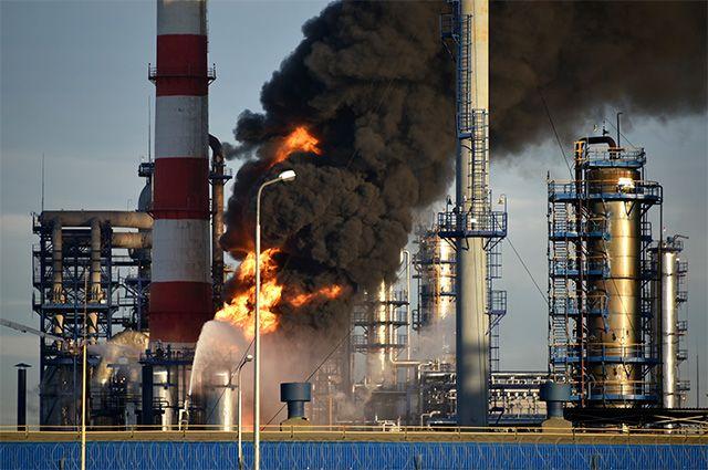 Пожар на нефтеперерабатывающем заводе в Капотне