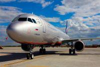 """Некоторые самолёта """"Аэрофлота"""" названы именем известных деятелей."""