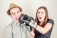 Женщины все больше феминизируются, а мужчины - теряют мужественность.