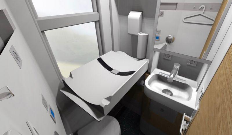 Туалеты оборудованы гигиеническим душем, пеленальным столиком, автоматическими кранами, дозаторами мыла, бумажными полотенцами и встроенной сушилкой для рук.