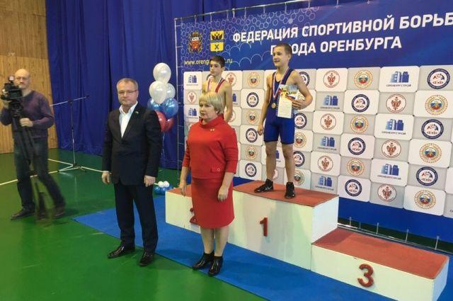 В Оренбурге завершился II городской турнир по спортивной борьбе.
