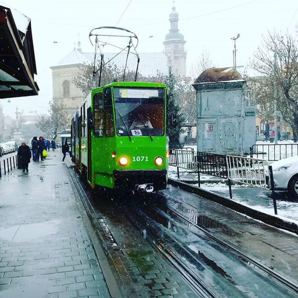 Кроме того, сегодня снежно на Закарпатье и Прикарпатье, а также в Тернопольской, Черновицкой, Хмельницкой и Винницкой областях.