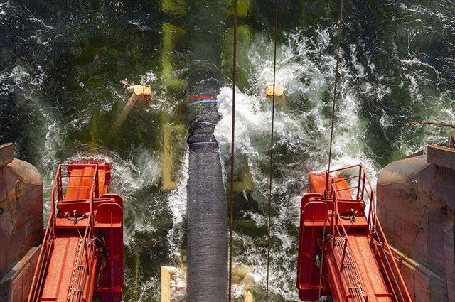 Работы по укладке газопровода «Северный поток-2» в Финском заливе.