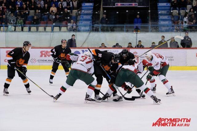 Пермские хоккеисты продолжают находиться в подвале турнирной таблицы.