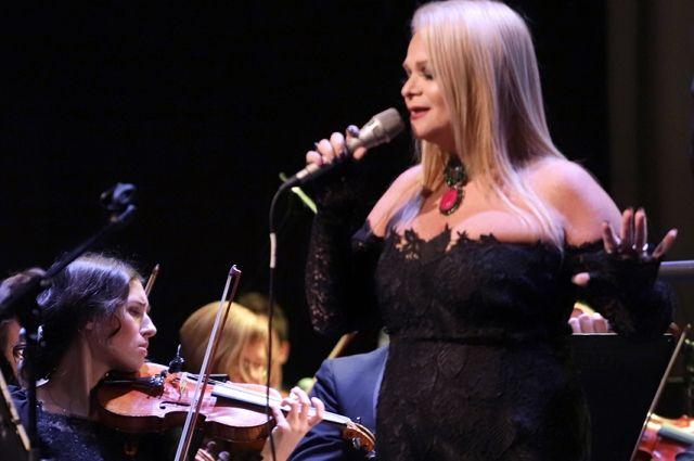 Лариса Долина собрала аншлаг на своем концерте в Тюмени