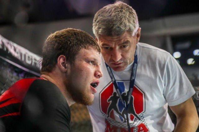 Григорий Пономарев выступает в весовой категории свыше 93 кг.