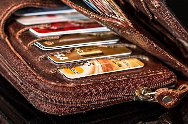 Женщина взяла кредит насумму 350 тыс. руб. попаспорту собственной коллеги
