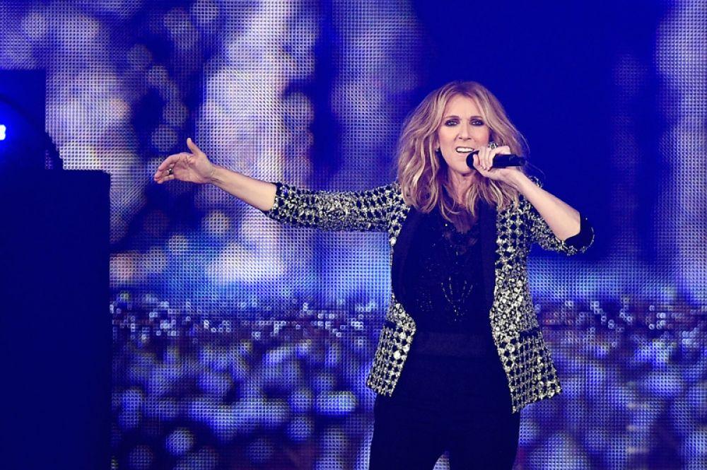 Селин Дион, 31 млн долларов. За последний год легендарная певица удвоила свой доход, выступая на аренах по всей Европе с туром Celine Dion Live.
