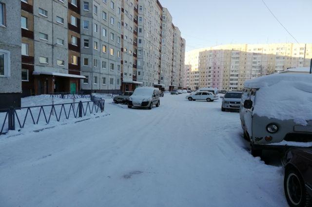 Надымчане не хотят, чтобы во дворах убирали снег
