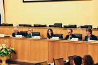 В Тюмени единороссы организовали серию региональных дискуссий