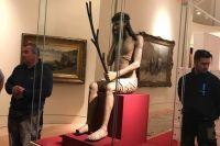 На выставке в Ватикане наш «Спаситель» находится в специальной витрине с климат-контролем.