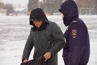 Шумного должника пришлось успокаивать судебным приставам Вяземского района.