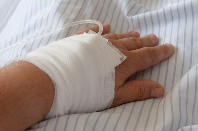 В Адамовском районе 9-летний ребенок повредил руку, упав на стеклянную банку.