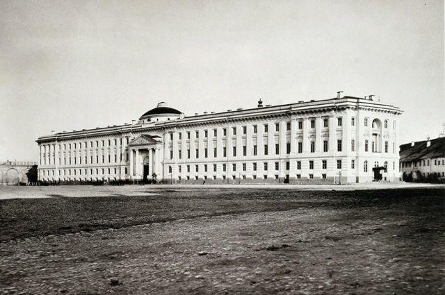 Сенатский дворец Московского Кремля. Фото 1882 г.