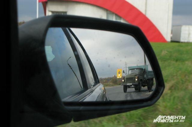 Автомобилисты жалуются на новый светофор на Большой Окружной.