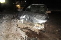 В ДТП пострадали водитель и три его пассажира: 37-летняя женщина, 13-летний мальчик и 12-летняя девочка
