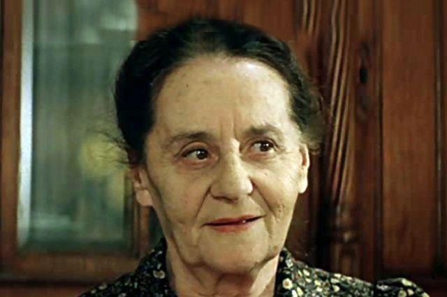 Эда Урусова в роли Агнессы Ивановны в к/ф «Курьер».