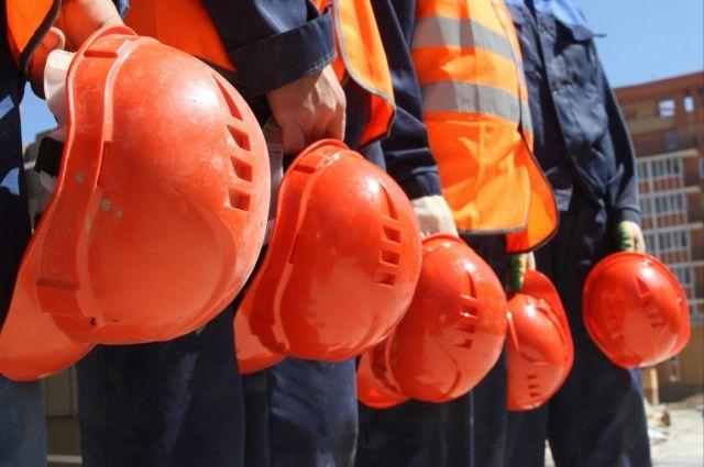 В Днепре строителя намотало тросами на кран: мужчина погиб
