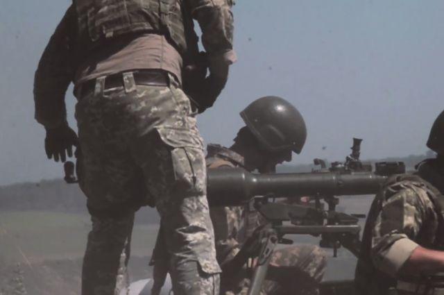 Украина инициировала отвод военной техники на Донбассе: условие