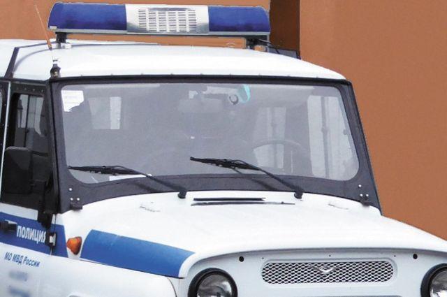 Полицейские изъяли всё похищенное и вернули законной владелице.
