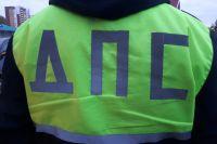 Автоинспекторы спасли замерзающего тюменского дальнобойщика