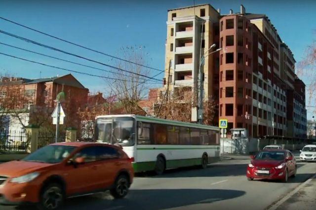 В Тюмени подрядчик снесет долгострой по улице Ленина