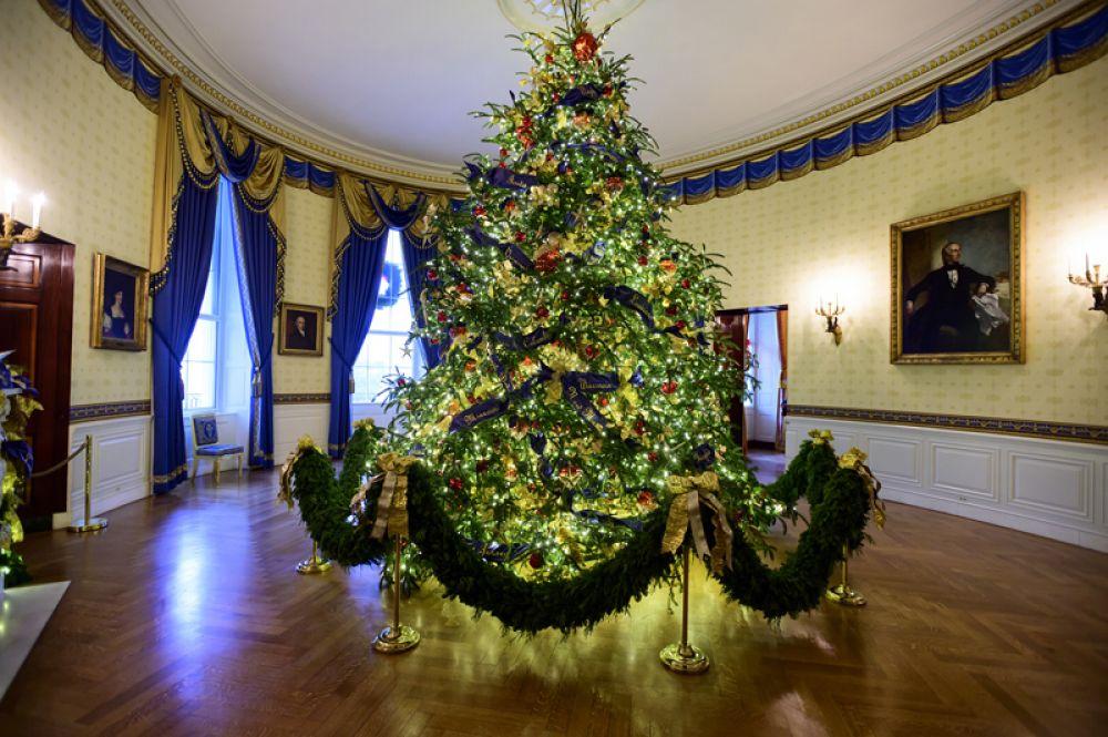 Рождественская ель в «Синей комнате».
