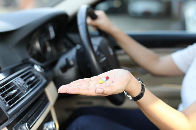 Кашлять за рулём нельзя! Какие лекарства не надо принимать водителям