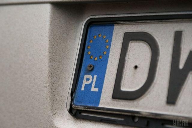 В Украине оформили первую машину с еврономерами по новым правилам
