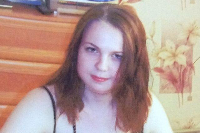 В Калининграде после конфликта с родителями пропала 16-летняя Лиза Кныш.