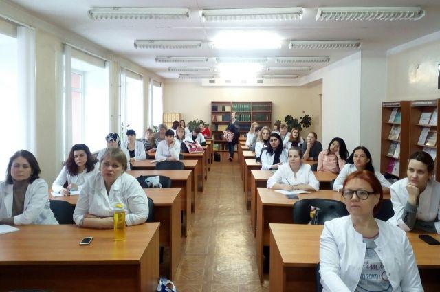 В тюменском медколледже появится отряд волонтеров по профилактике ВИЧ