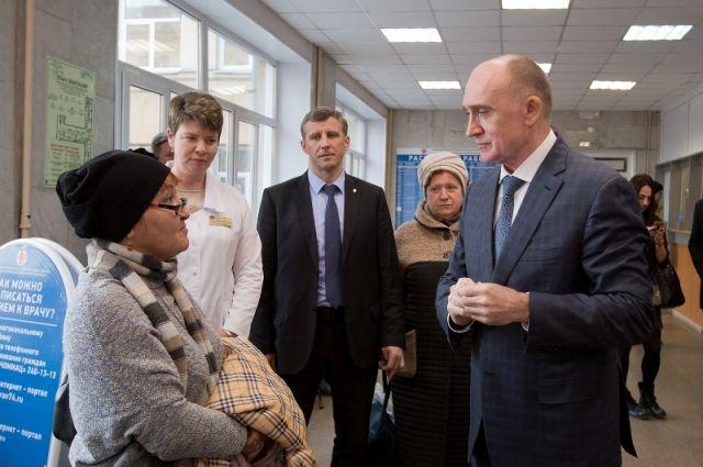 Во время визита в обновлённую поликлинику Борис Дубровский пообщался с посетителями.