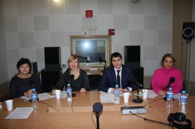 Сотрудники тюменского Росреестра ответили на вопросы в прямом радиоэфире