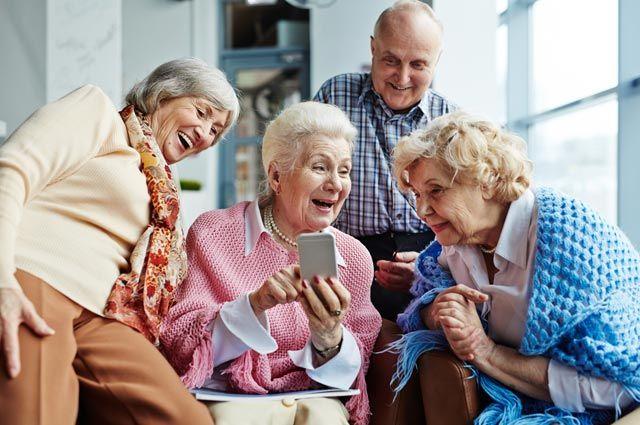 Учитель Гаджет. Как научить бабушек и дедушек пользоваться смартфоном?
