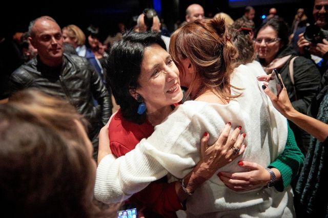 На выборах президента Грузии победила Зурабишвили - экзитполы