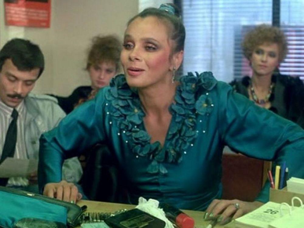 """Именно обаяние принесло ей роль проститутки Зины Мелейко - всего лишь несколько эпизодов """"Интердевочки"""", но их зрители запомнили навсегда. Затем была роль разбитной отдыхающей в фильме """"Моя морячка"""" и жена посла в """"Ширли-мырли"""". 1990-ые стали для актрисы удачным временем в карьере."""