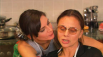 """В 2000-м году Любовь Полищук попала в серьезную аварию, из-за чего у нее произошел вылет позвоночного диска. Боли в спине не оставляли актрису, но лечиться она упорно отказывалась. Кадр - со съемок фильма """"Снежная любовь или Сон в зимнюю ночь"""""""