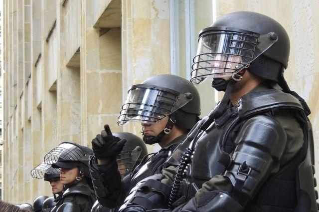 В Хабаровском крае военные полицейские в ходе учений применили новые защитные комплекты «Колпак».