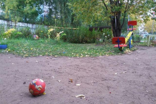 ЧП произошло во время прогулки в детском саду.