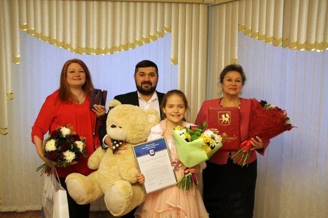 Юная певица получила благодарность от администрации Салехарда