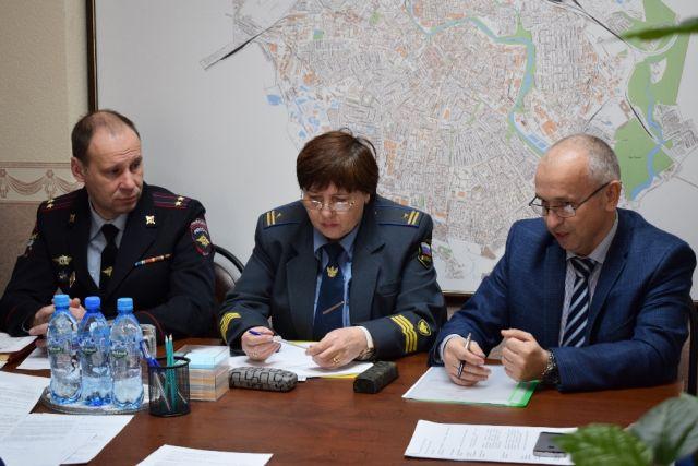 В мэрии Иванова прошло рабочее совещание с надзорными и правоохранительными органами по вопросам усиления контроля в сфере пассажирских перевозок.