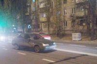 В Николаеве раненый мужчина, убегая от преступника, попал под колеса авто
