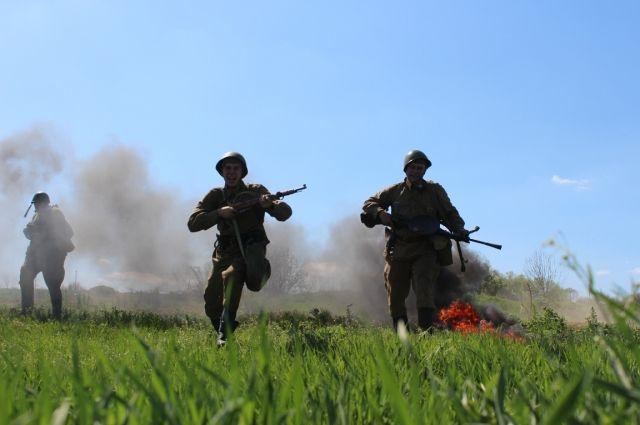 Фильм был очень сложный тем, что в нем присутствовали военные постановки со взрывами и пиротехническими моментами.