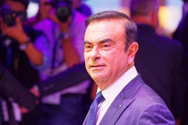 Суд продлил арест экс-главы Nissan Карлоса Гона на 10 суток